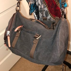 Luxur Convertible Crossbody/Backpac Excellent Cond